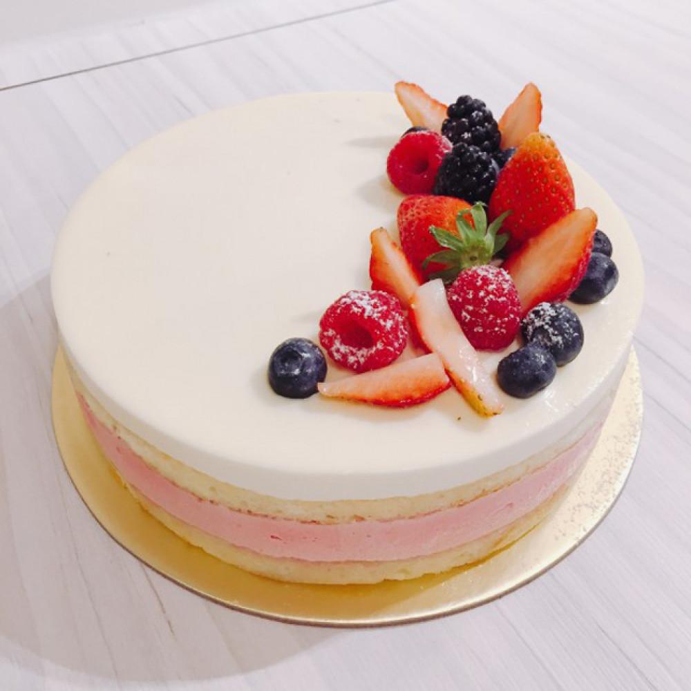Белый муссовый торт