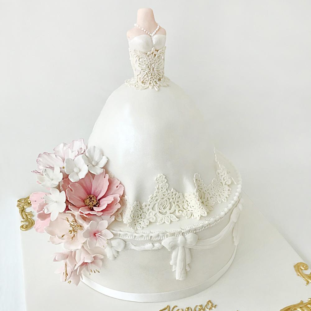 Торт в виде свадебного платья