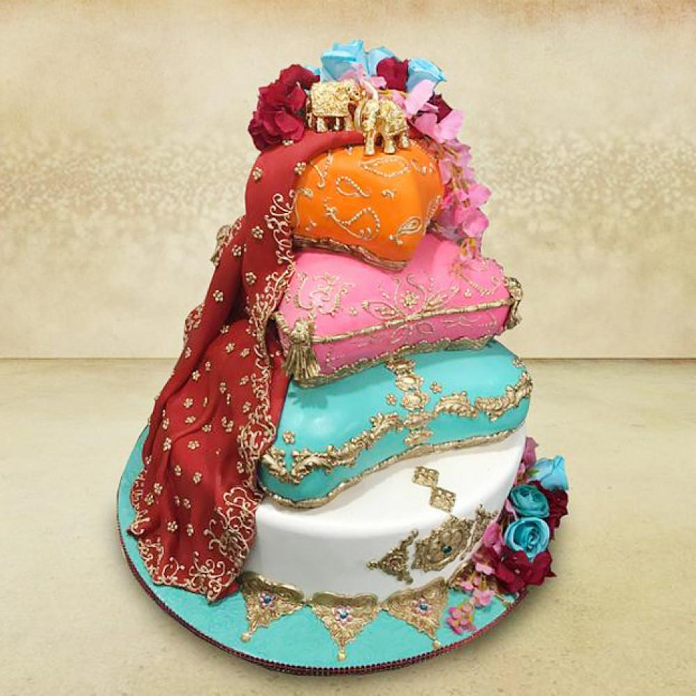 Свадебный торт с подушками и слонами