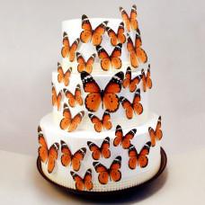 Свадебный торт украшенный бабочками
