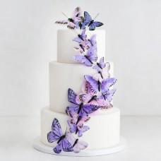 Свадебный торт с сиреневыми бабочками