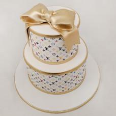 Торт на свадьбу с золотым бантом