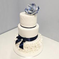 Свадебный торт с бантиком