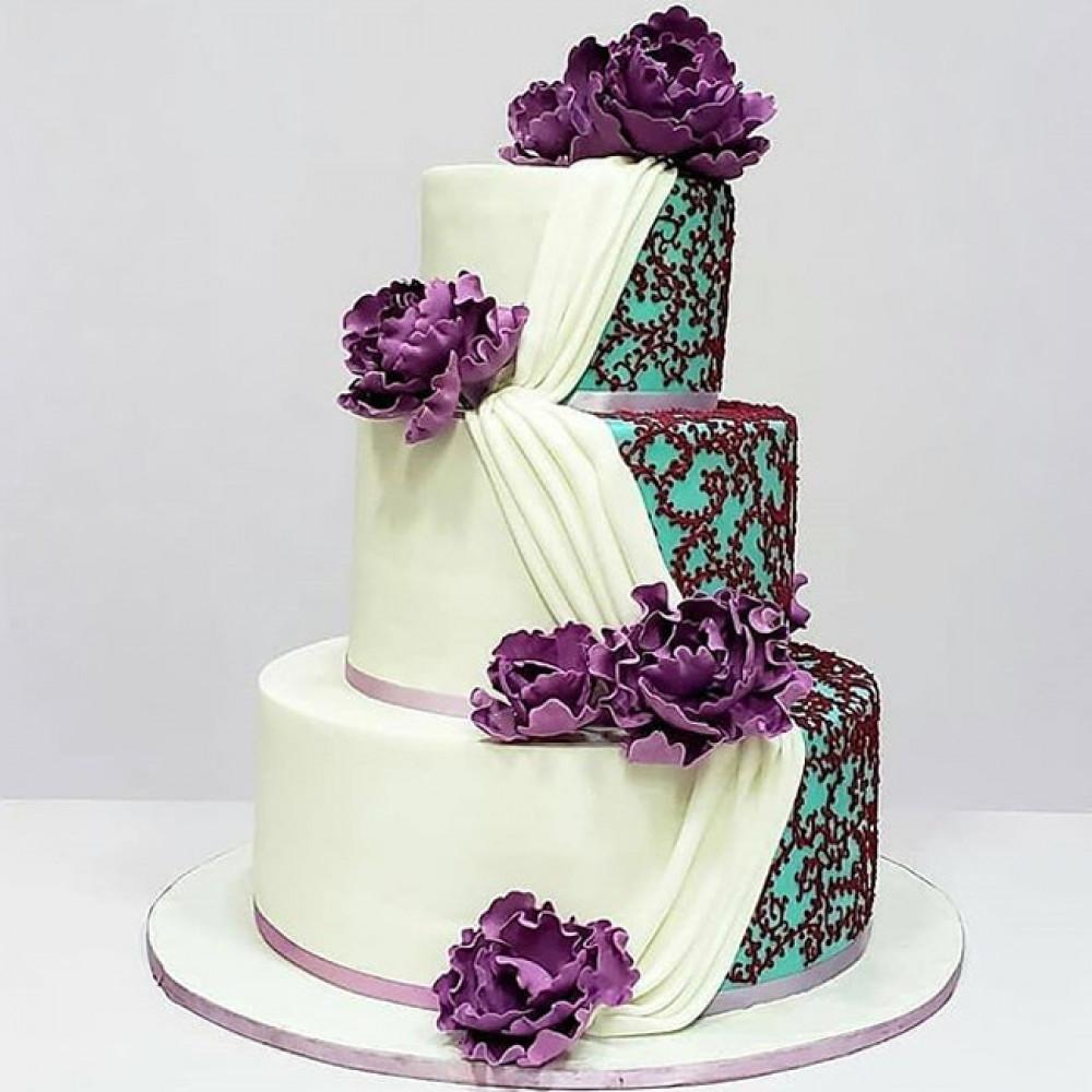 Свадебный торт с ламбрекеном