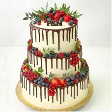 Свадебный торт без мастики с ягодами