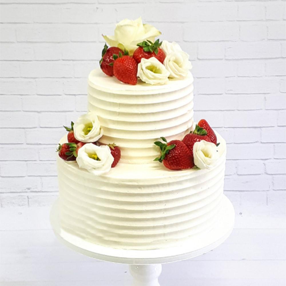 Ягодный торт на свадьбу