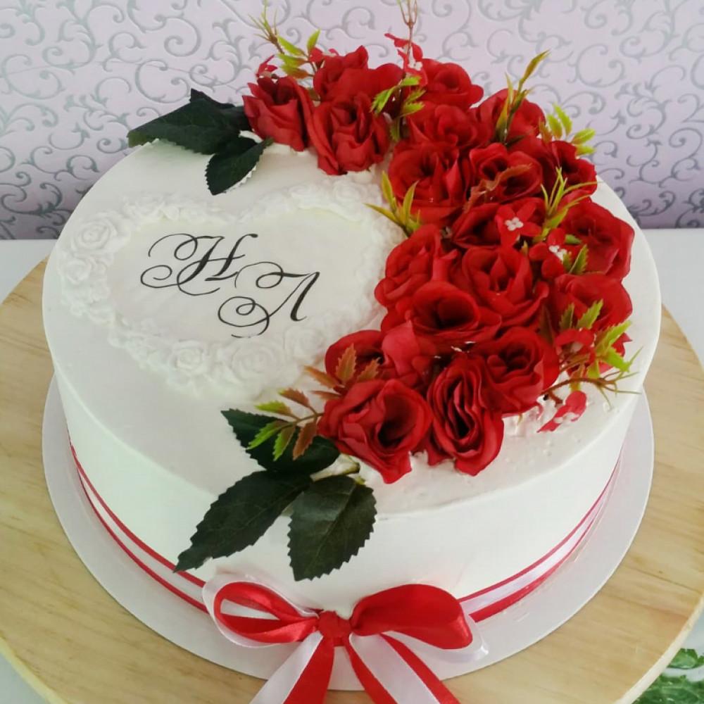 Одноярусный торт на свадьбу с инициалами