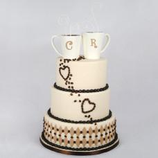 Оригинальный торт на свадьбу с инициалами
