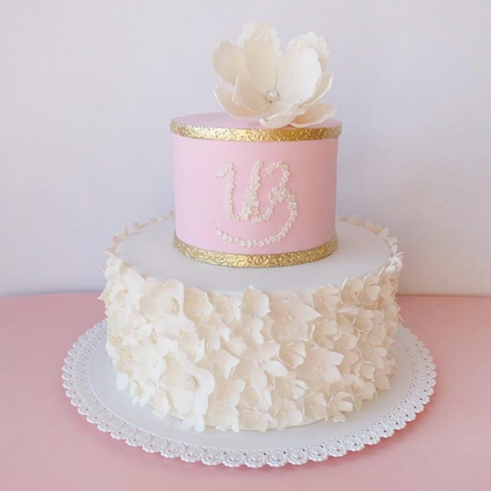 2-х ярусный торт с инициалами жениха и невесты