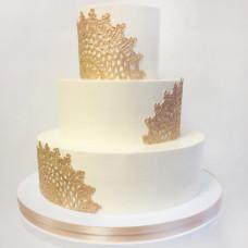 Торт с золотым кружевом на свадьбу