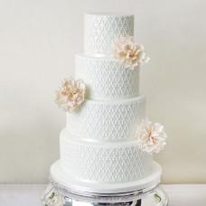 Торт с кружевом и цветами