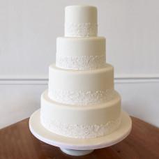 Белый свадебный торт с кружевом