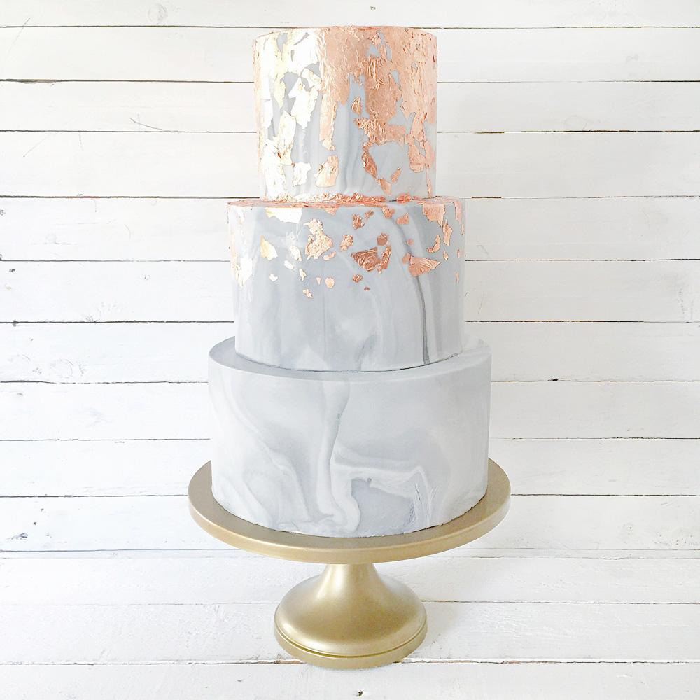 Свадебный торт с эффектом мрамора