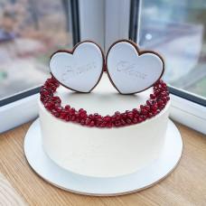 Свадебный торт с пряниками сердцами