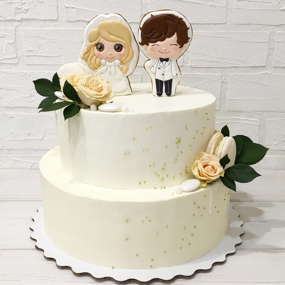 Свадебный торт с пряниками Жених и Невеста