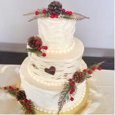 Свадебный торт зимний с шишками