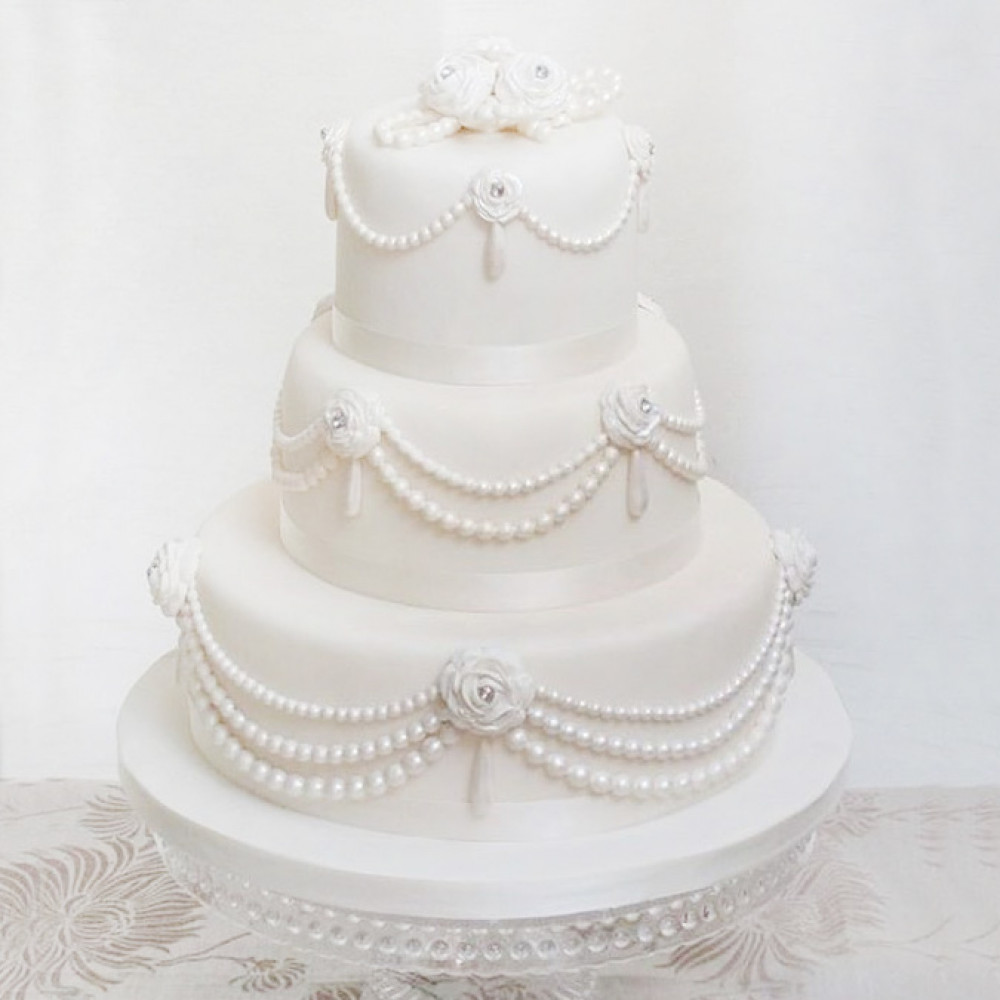 Свадебный торт с жемчужинами