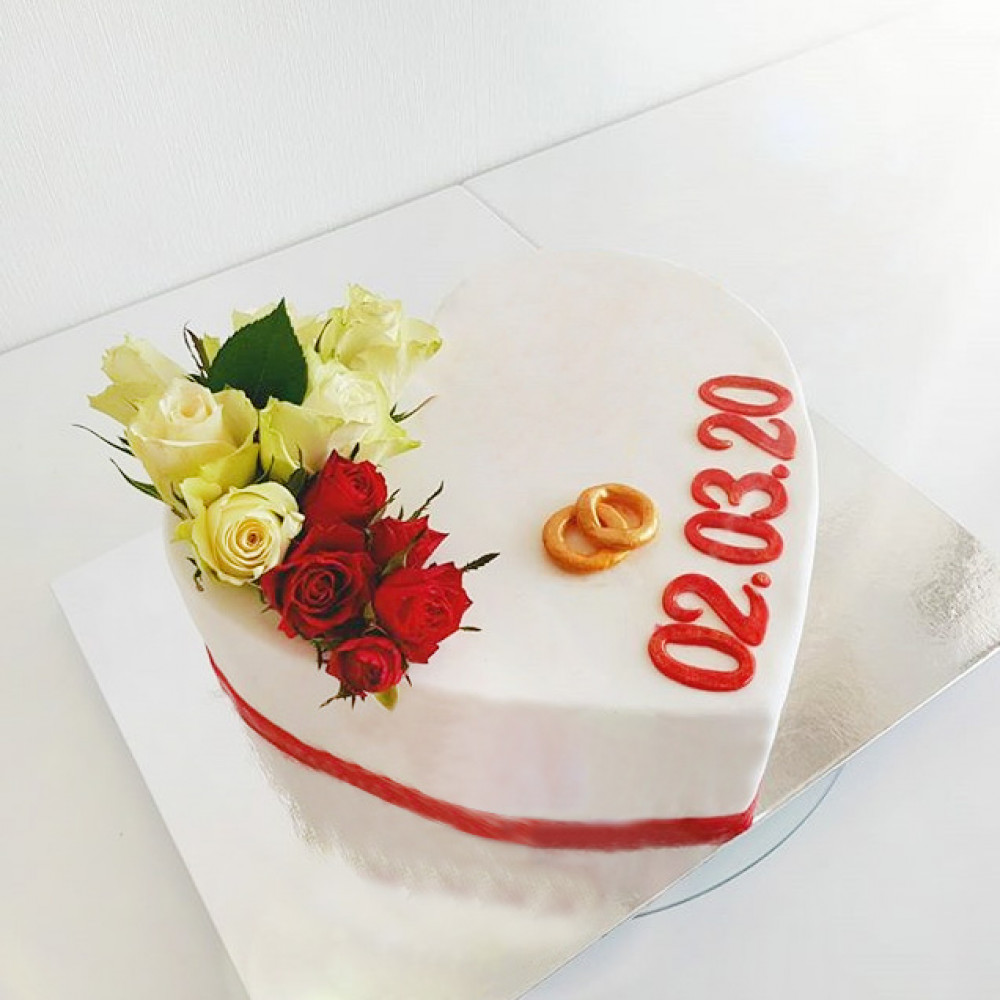 Свадебный торт сердце
