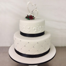 Торт на свадьбу с фигурками сердец