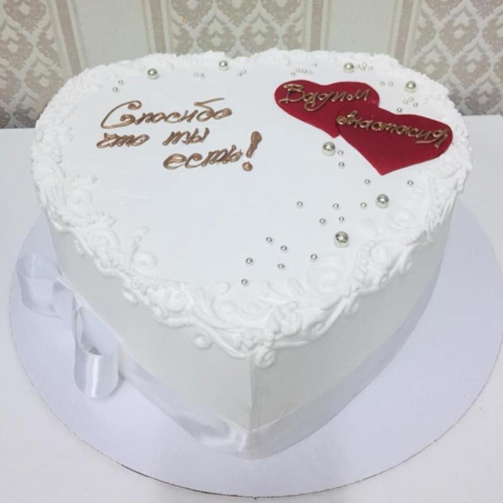 Торт на свадьбу в виде сердца без мастики