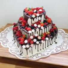 Торт свадебный трехъярусный сердце