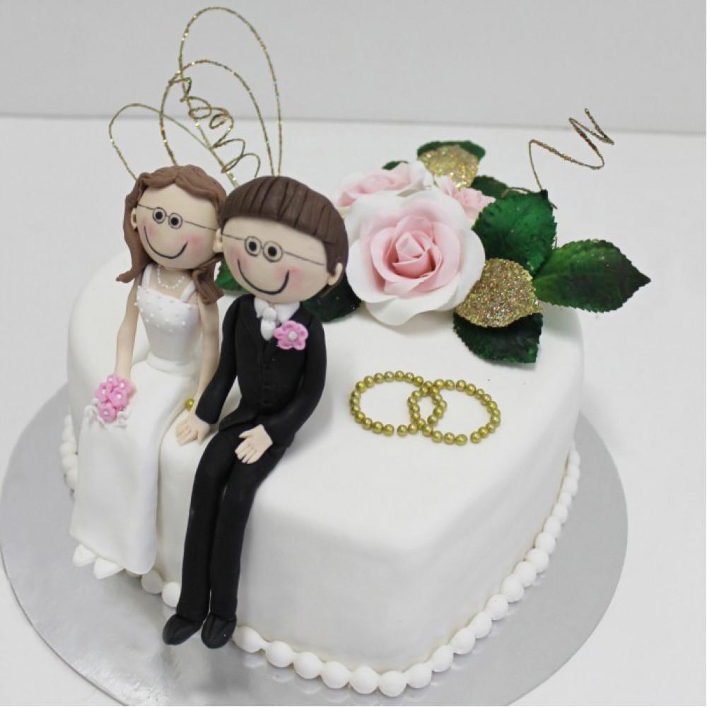 Одноярусный свадебный торт сердце