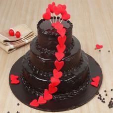 Многоярусный свадебный торт с сердцами