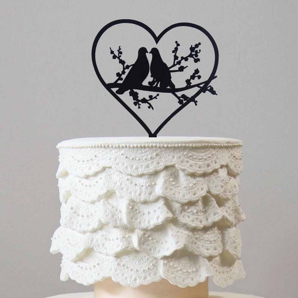 Свадебный торт с силуэтами голубей
