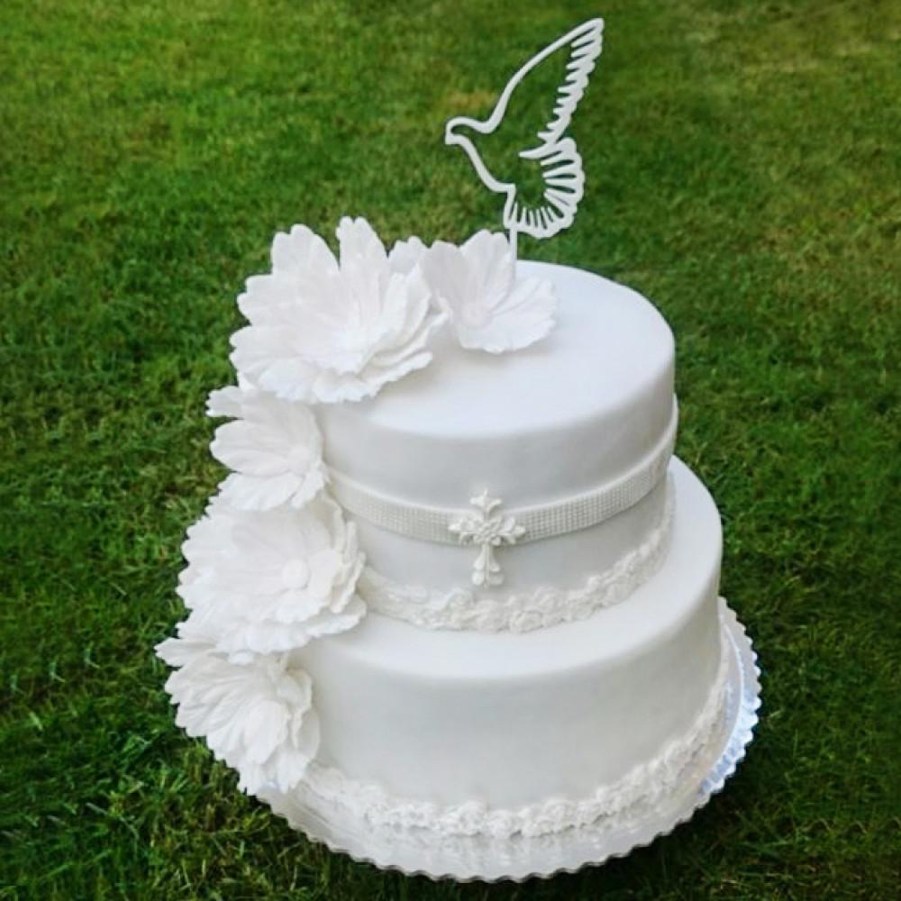 Торт с цветами и голубем на свадьбу