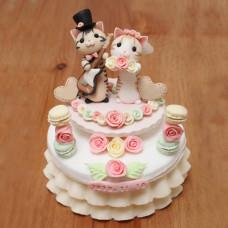 Торт с кошечками на маленькую свадьбу