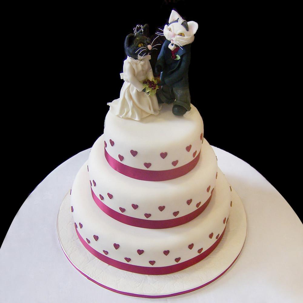 Свадебный торт с котом и кошкой