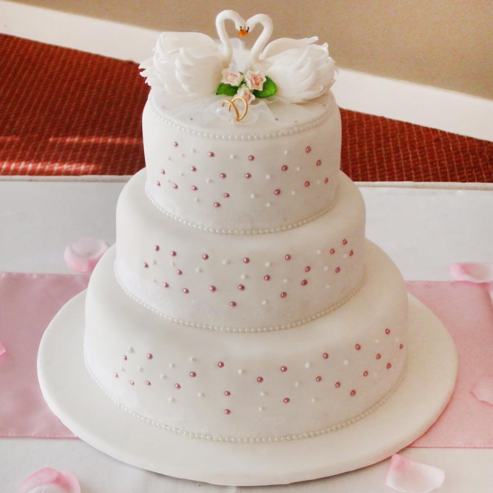 Свадебный торт «Лебединая верность»