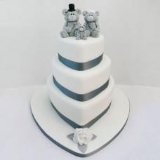 Торт в виде сердца с мишками