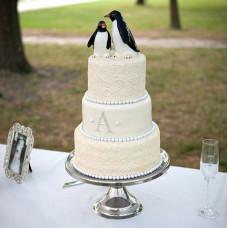 Торт с пингвинчиками и кружевом
