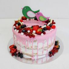Ягодный свадебный торт с птичками без мастики