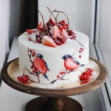 Зимний свадебный торт со снегирями