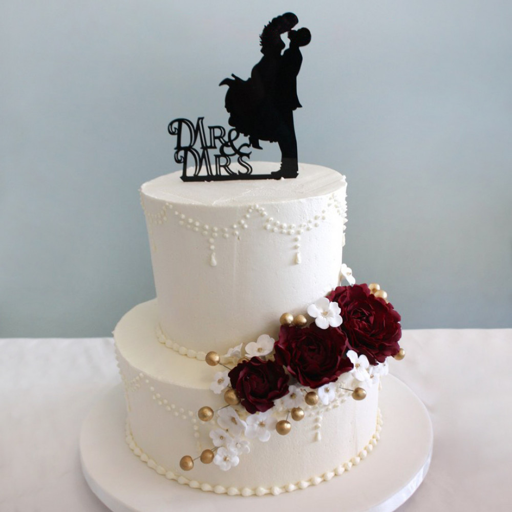 Торт со свадебными силуэтами