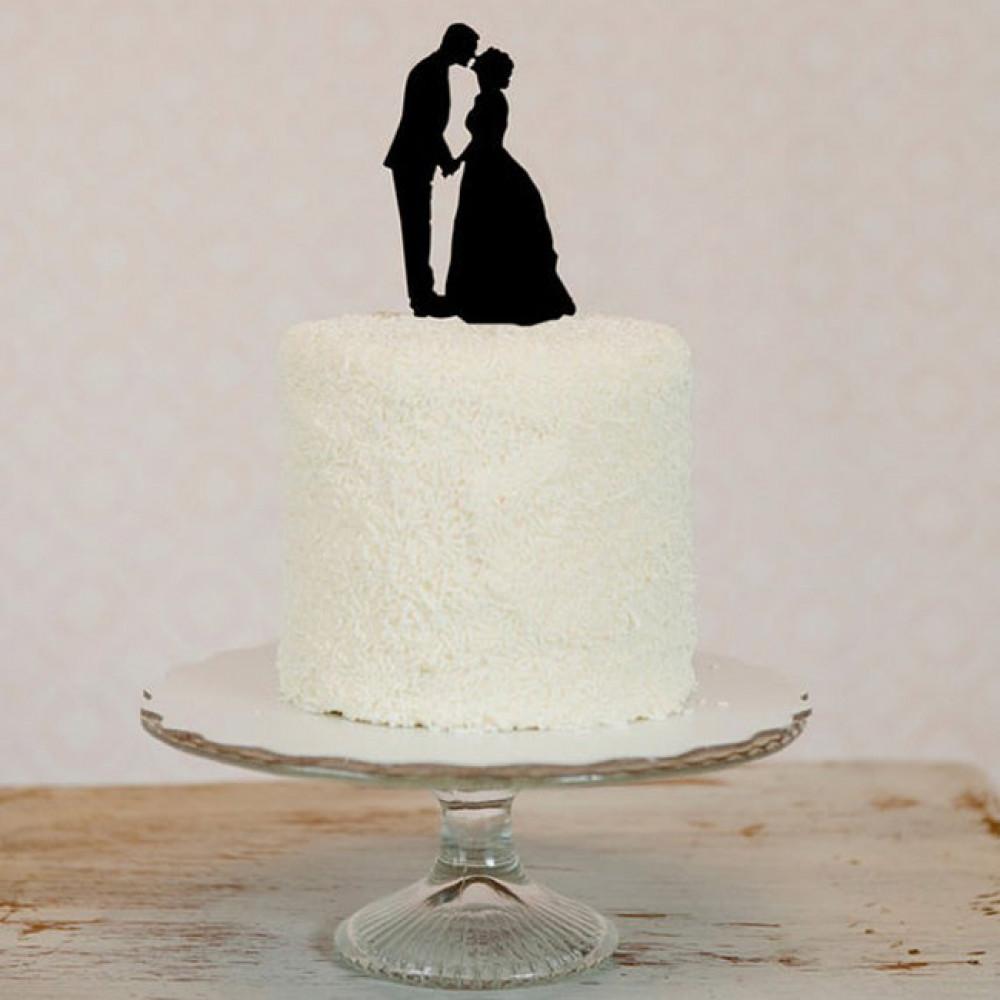Торт с силуэтами влюбленных