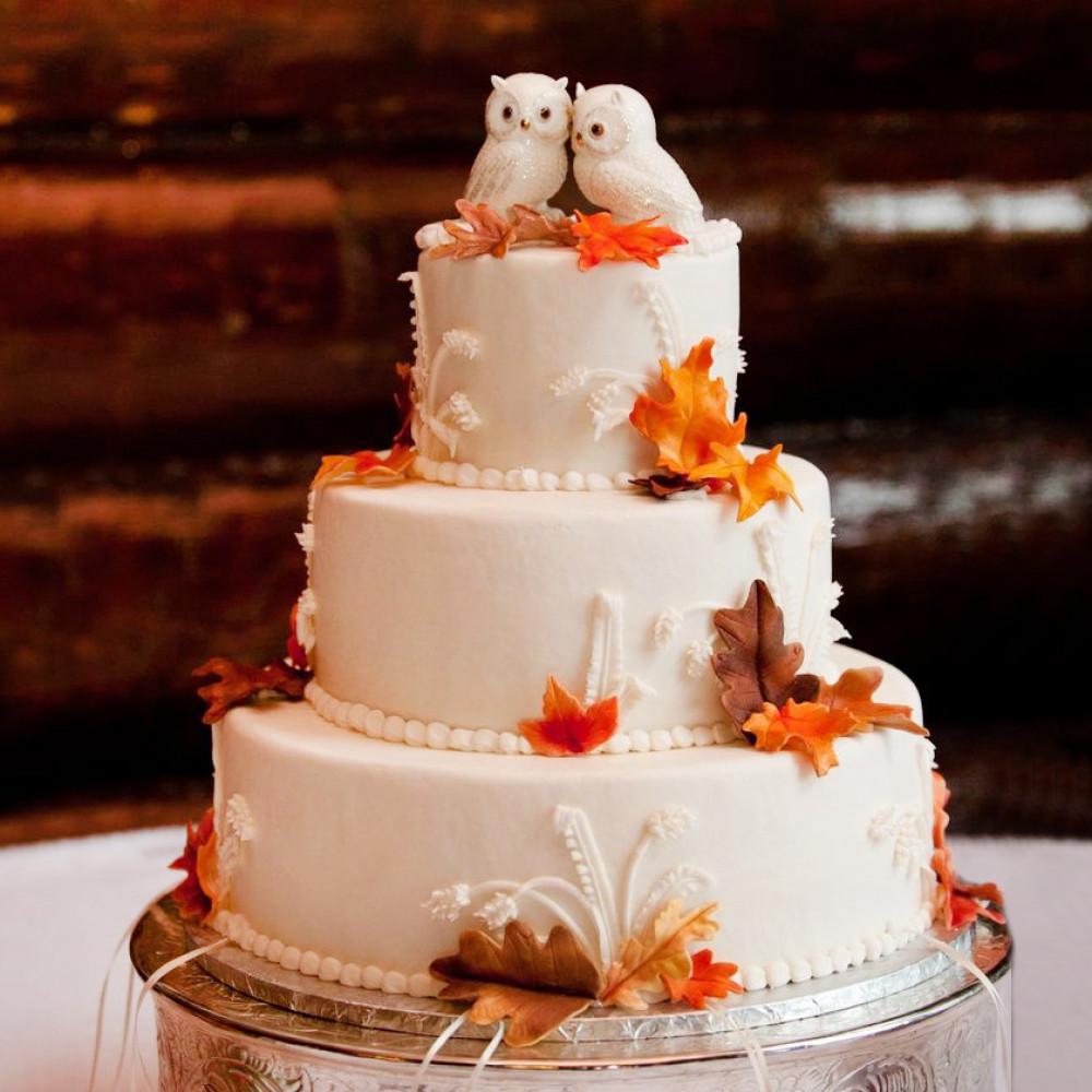 Классический торт на свадьбу с совами