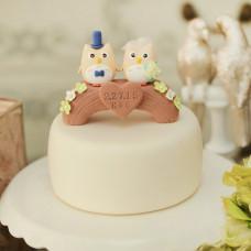 Свадебный торт с фигурками сов