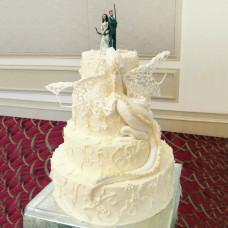 Торт с драконом и охотниками на свадьбу