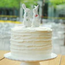Торт с зайчиками на свадьбу