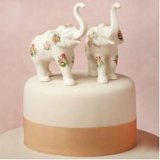 Свадебный торт с фигурками слонов