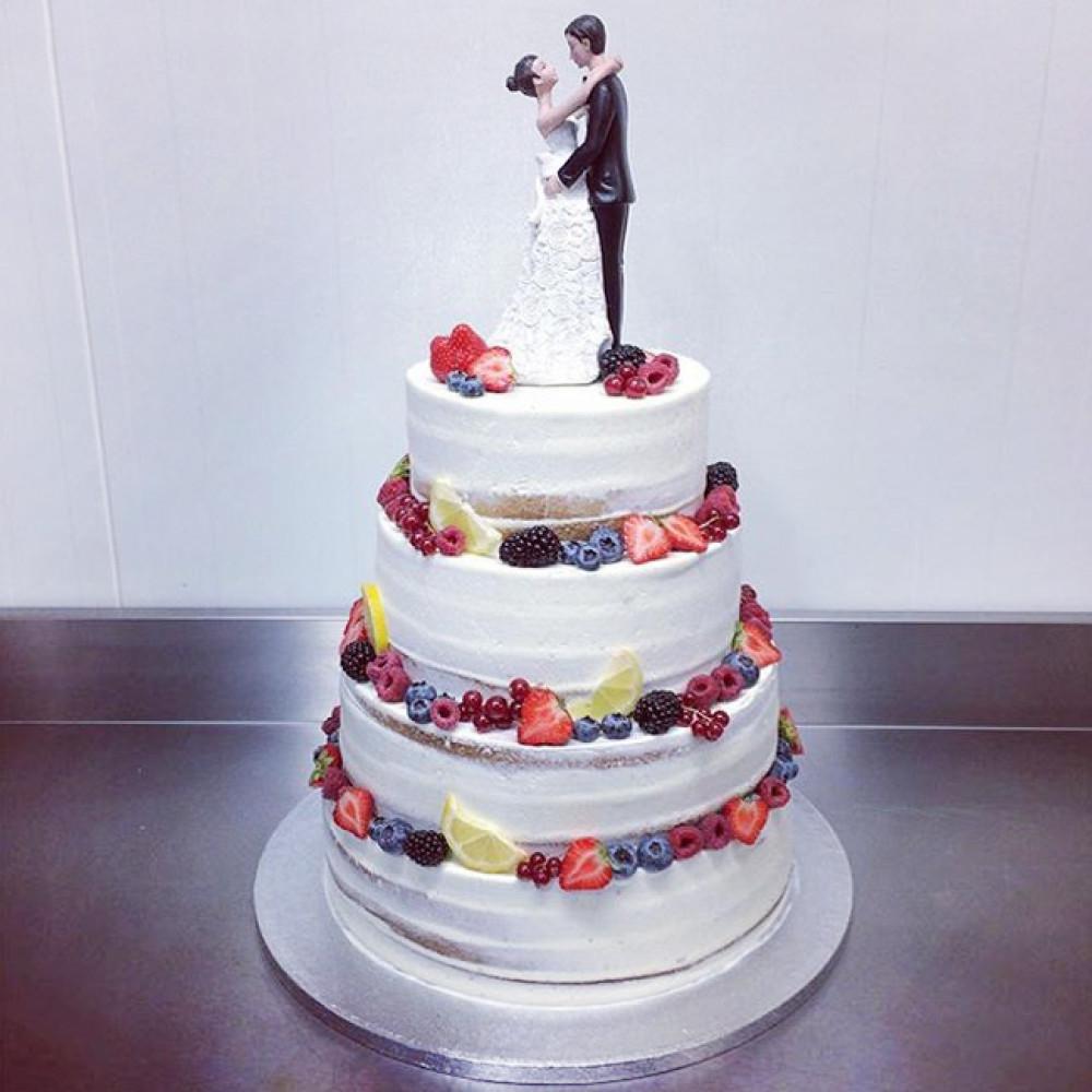 Торт со статуэтками «Жених и Невеста»
