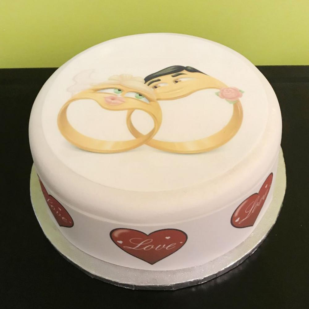 Креативный торт Emoji на свадьбу