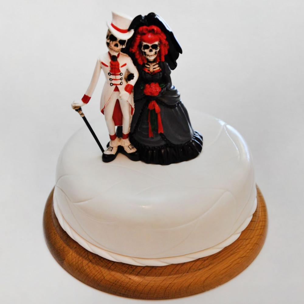 Торт на готическую свадьбу