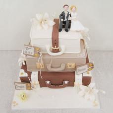 Торт Свадебные чемоданы и Молодожены