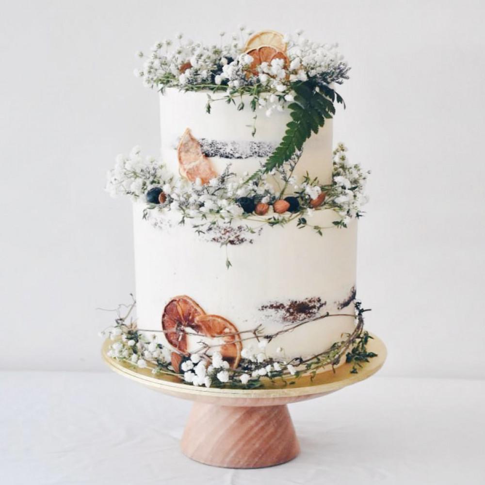 Свадебный торт в сельском стиле