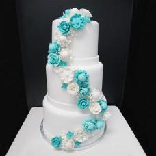 Белый торт с цветочками цвета Тиффани
