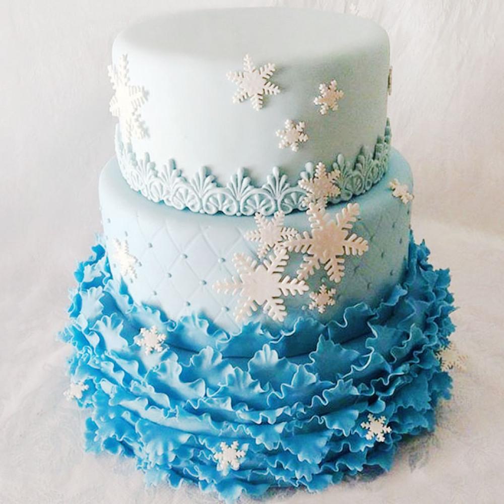 Новогодний свадебный торт со снежинками